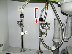 ⑮水栓のホース曲りを解消(縮小)赤線有.jpg